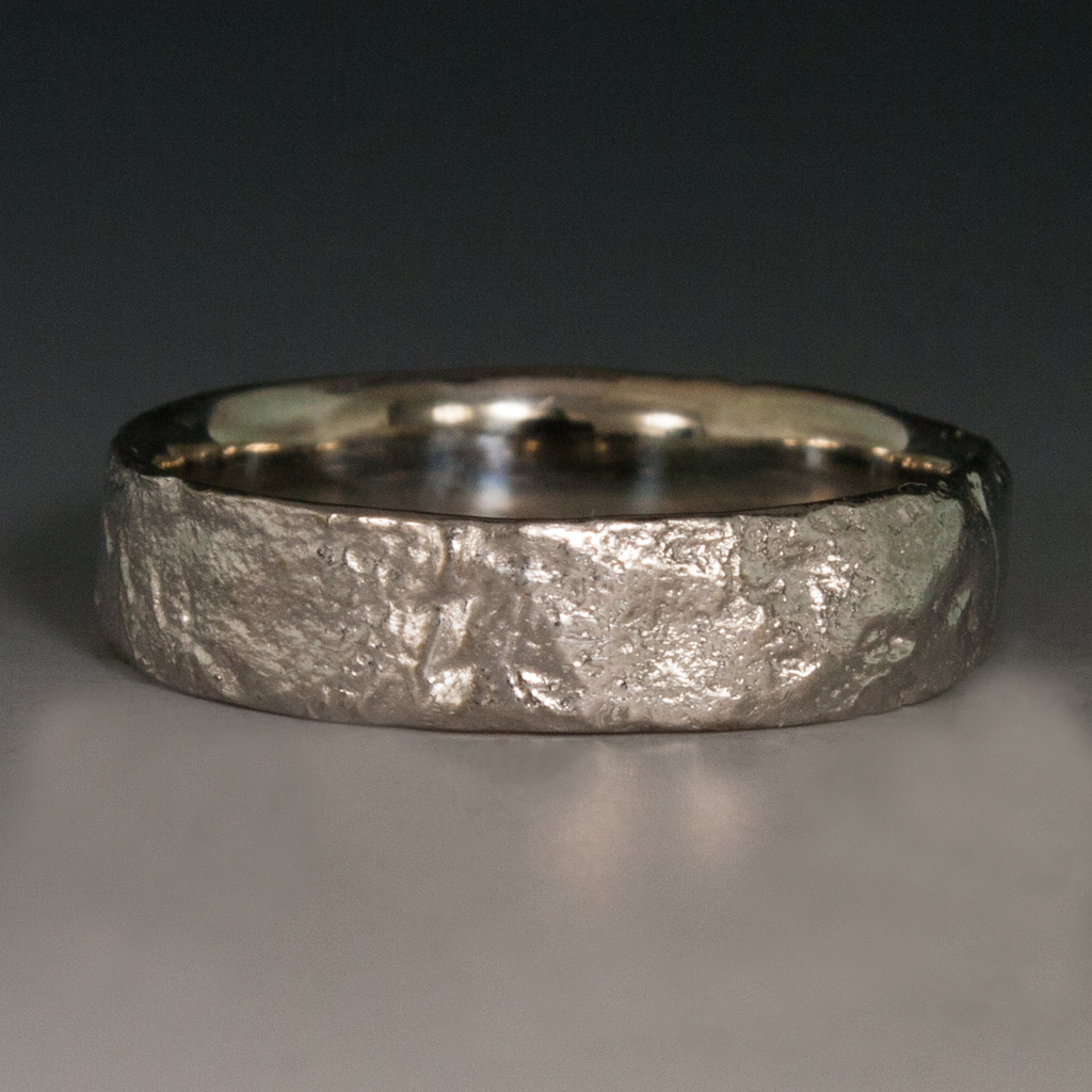 18k white gold textured river rock band ring